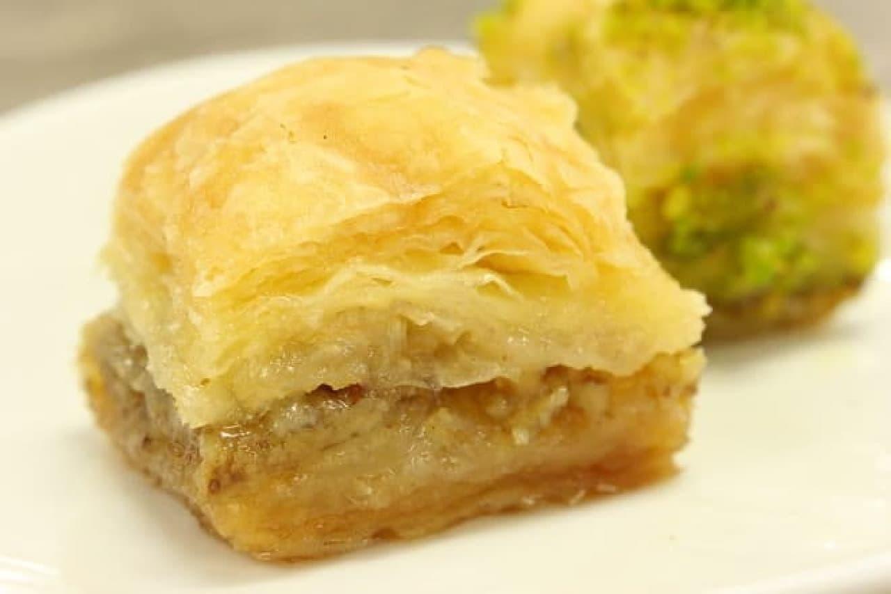 ギリシャやトルコで人気のお菓子「バクラヴァ」