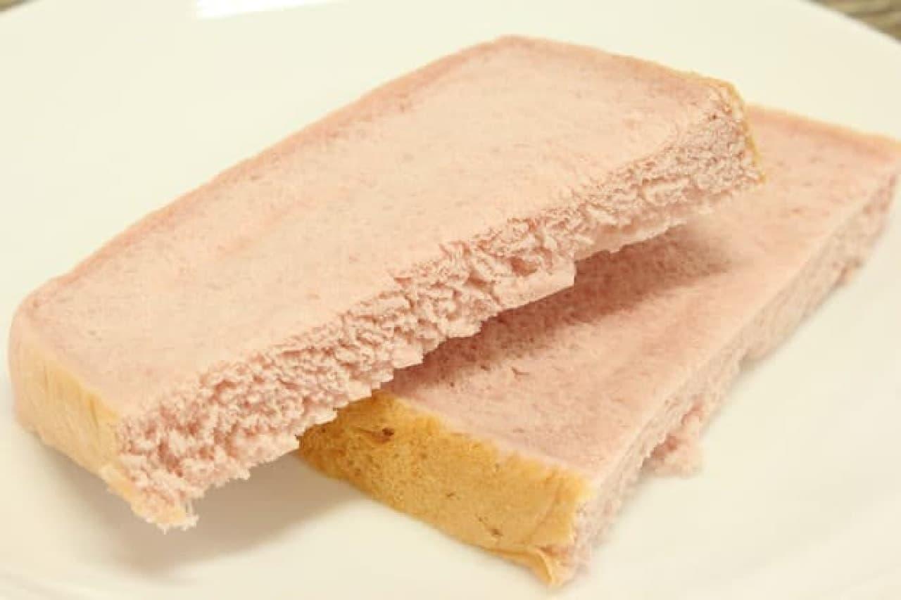 山崎製パン「ふんわり食パン いちご」