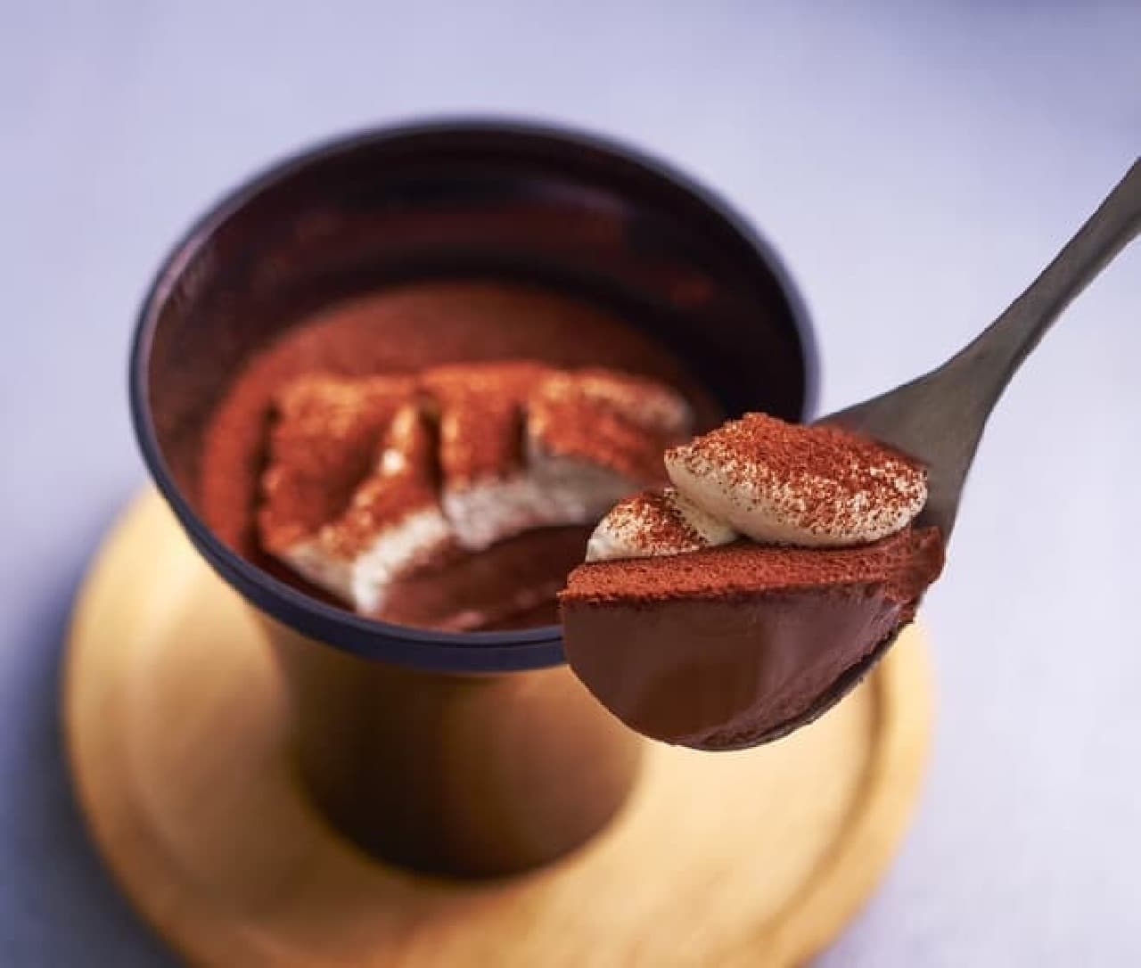 セブン「スプーンで食べる とろ生食感ショコラ」