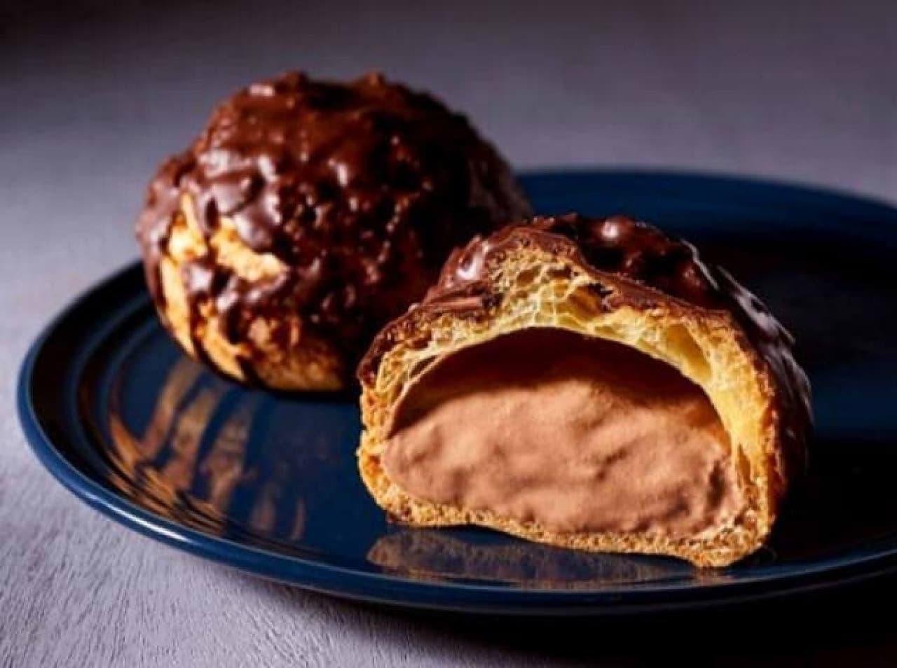 セブン「ざくざく食感チョコシュー」