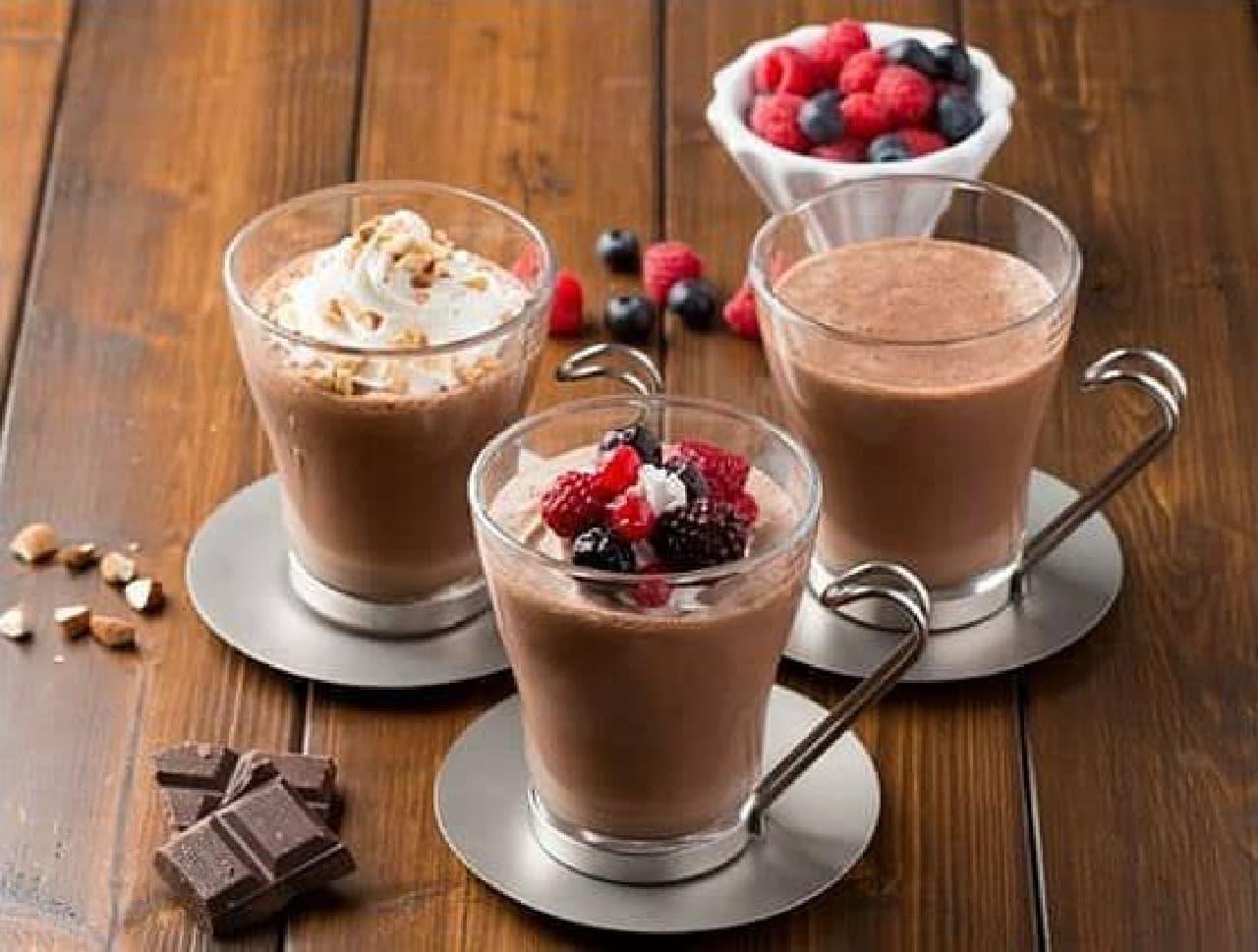 フレッシュネスバーガー「ショコラ ベリー&ココナッツ」と「ショコラ アーモンド&ホイップ」