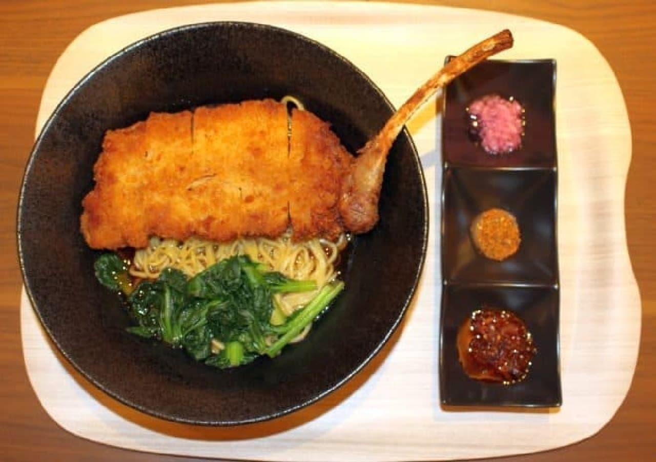 シェラトン・グランデ・トーキョーベイ・ホテル ガレリアカフェ「パーコー麺」