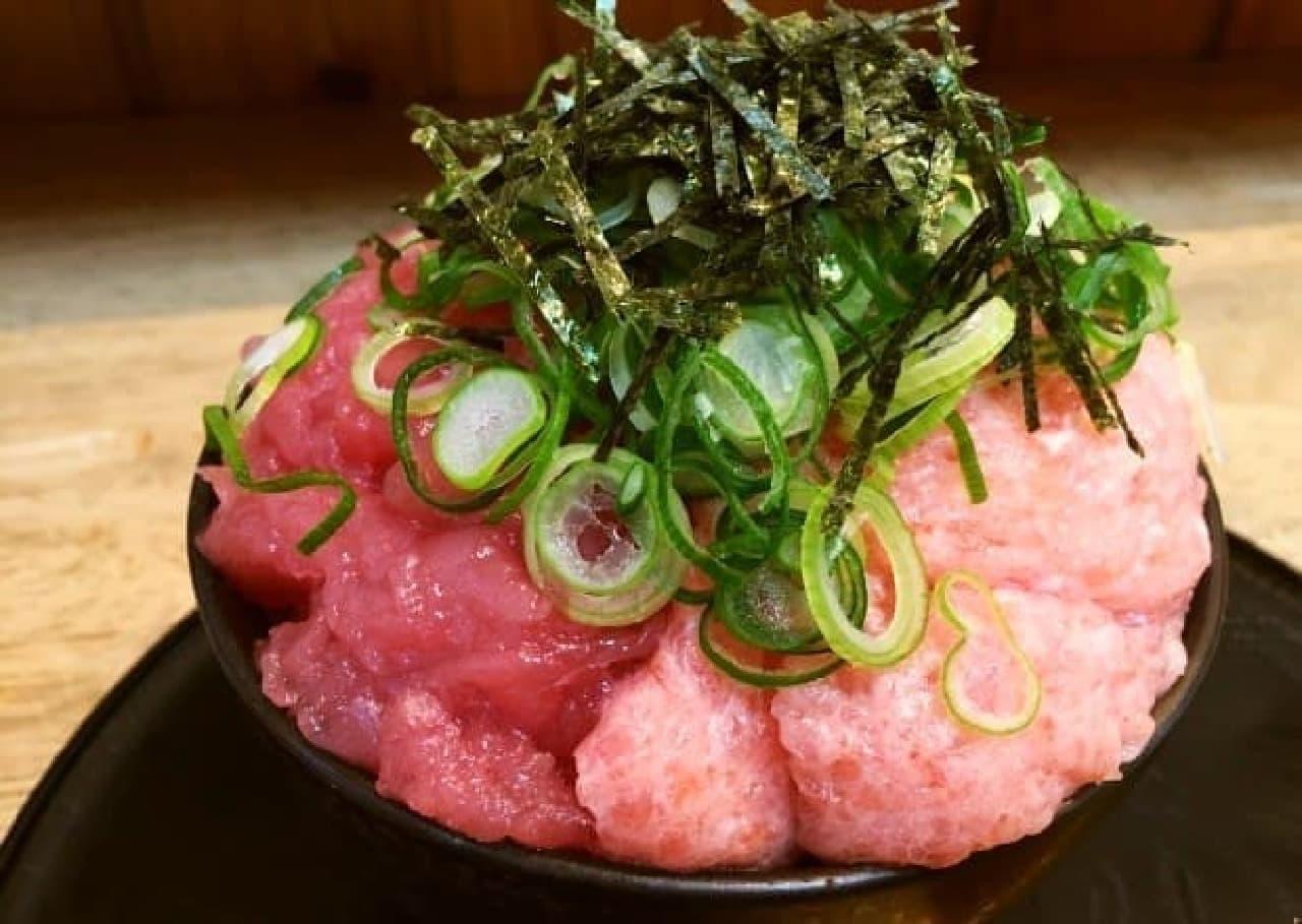 魚楽「マグロ2色丼」