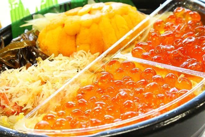 イトーヨーカドー「貝盛りうにといくら味くらべ丼」