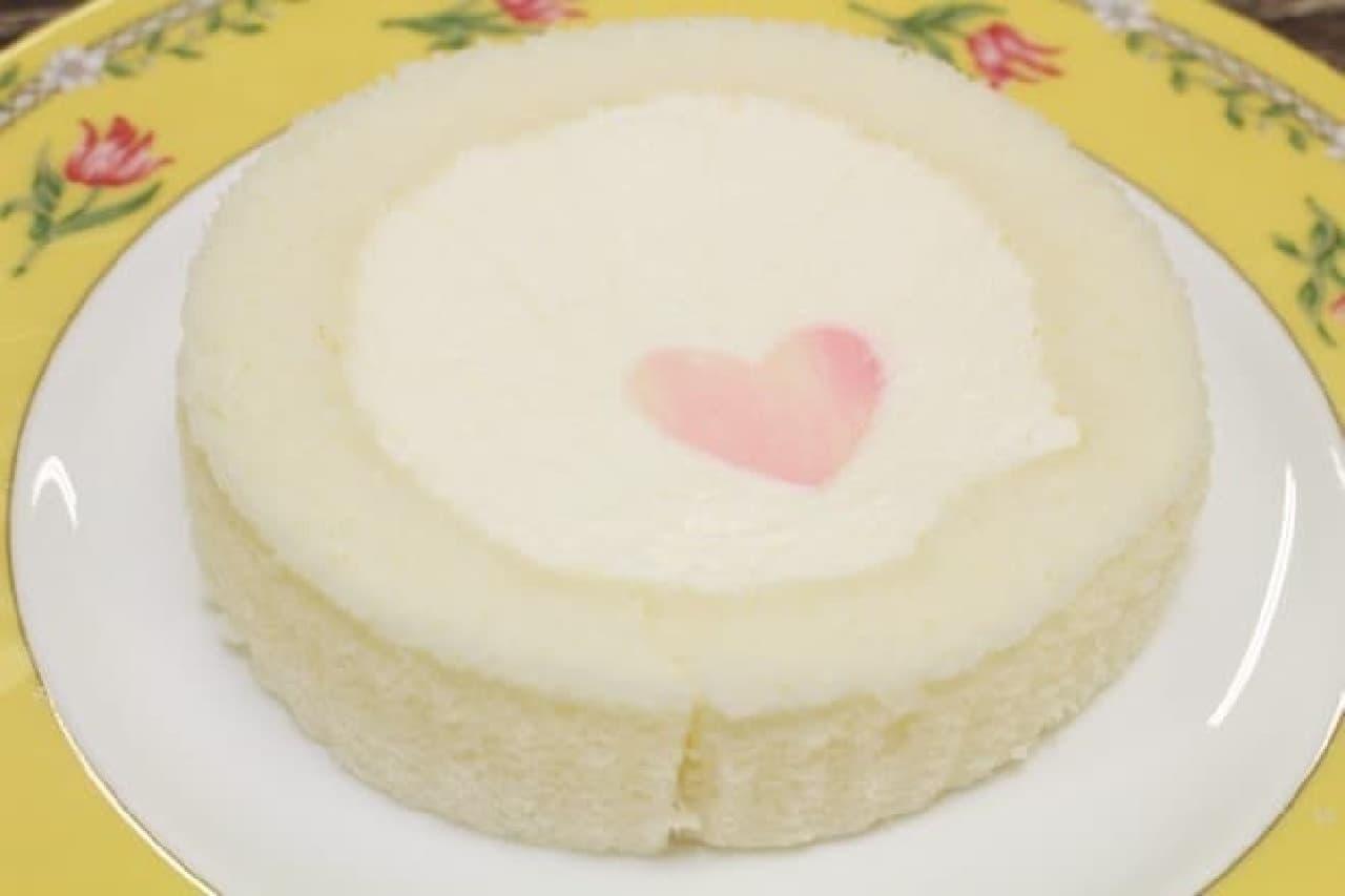 ローソン「プレミアムホワイトチョコレートのロールケーキ」