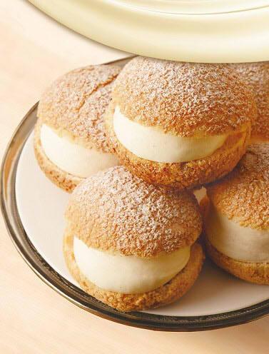 カフェ・ド・クリエ シュークリーム