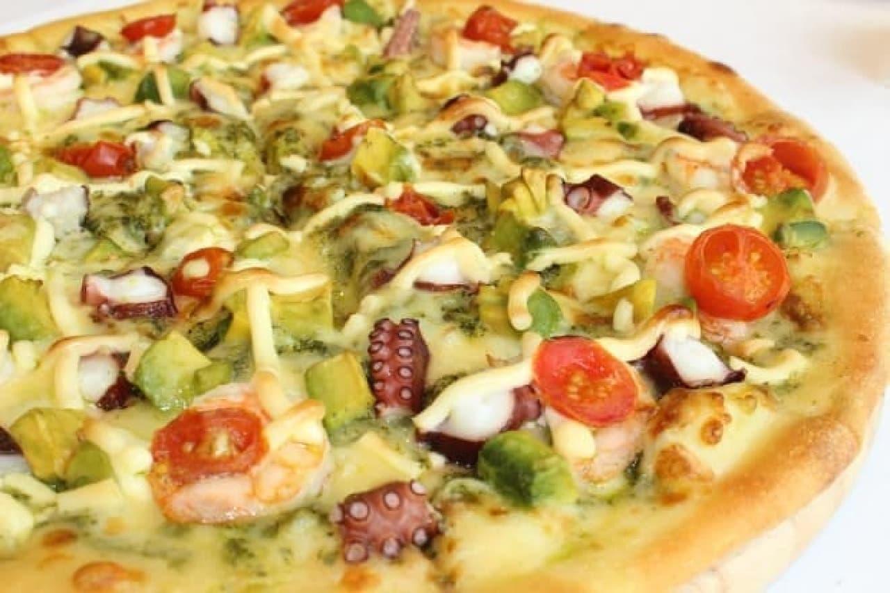 ドミノ・ピザ「アボカドとタコのサラダピザ」