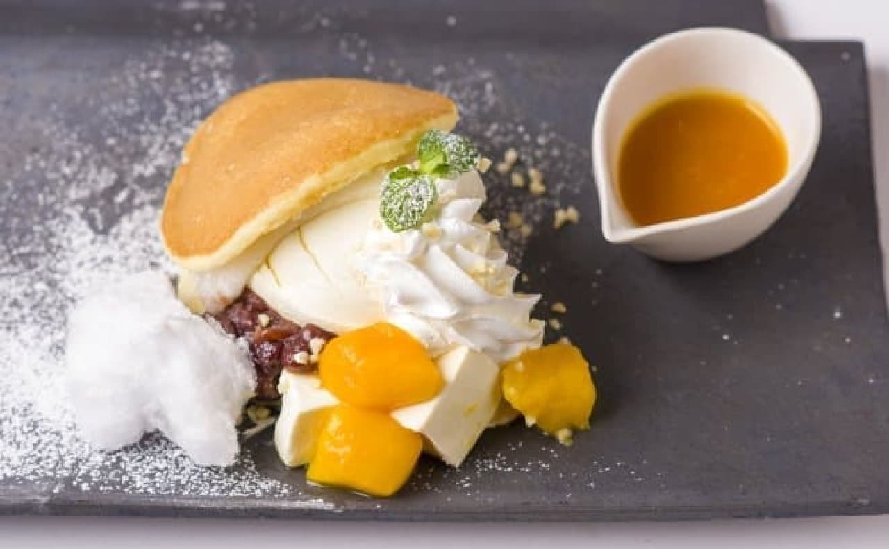 kawara CAFE&DINING「杏仁豆腐とマンゴーのどらサンド」
