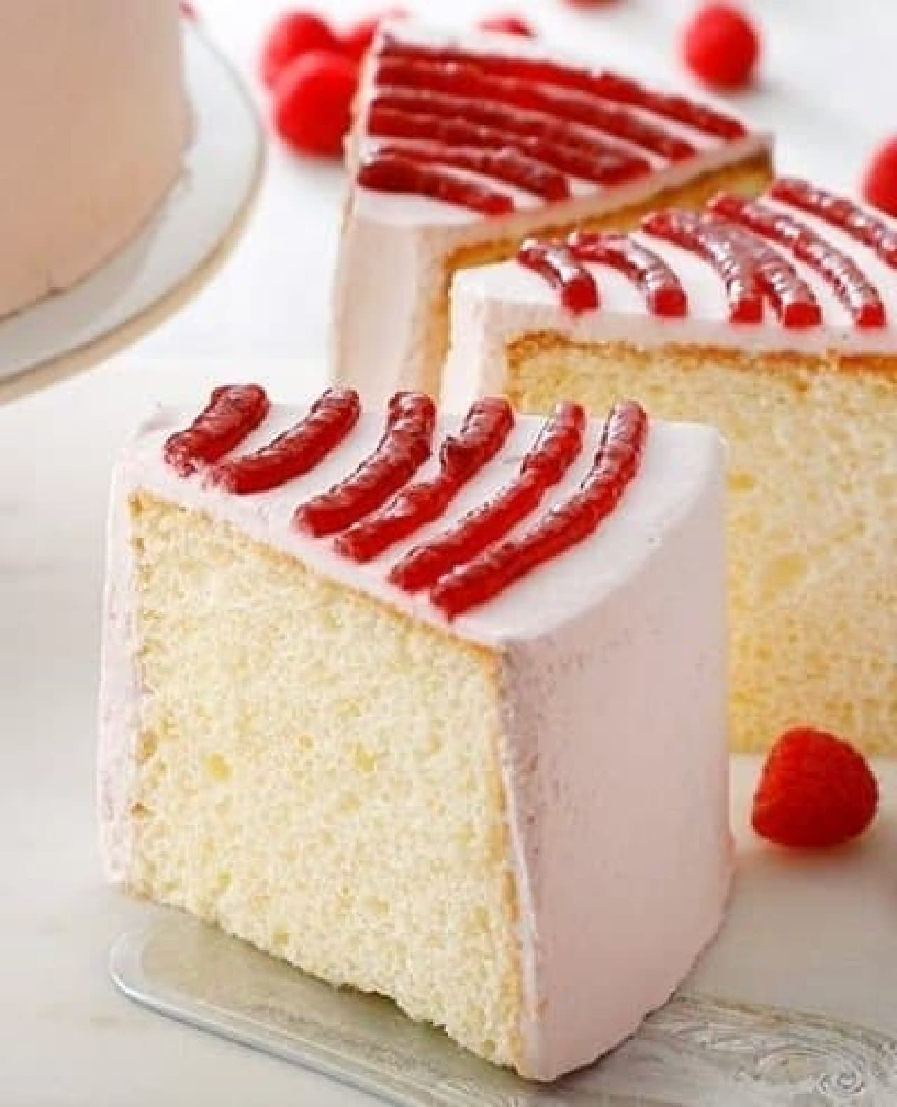 スターバックス「ラズベリーシフォンケーキ」