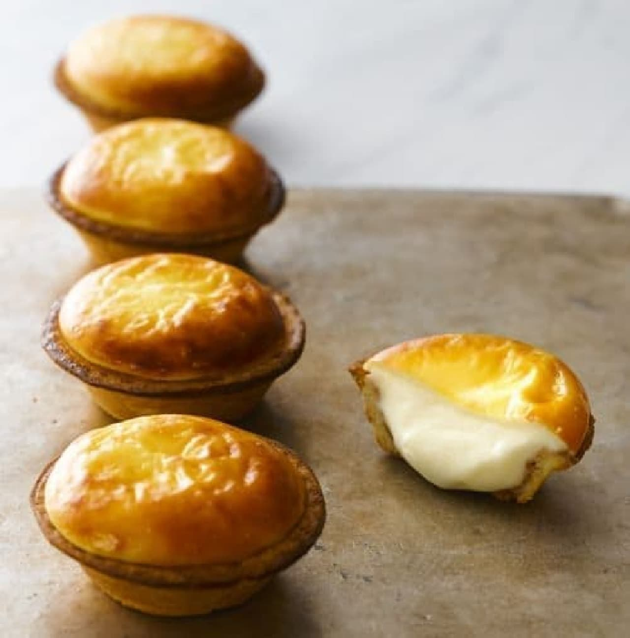 BAKE CHEESE TART「チーズタルト」