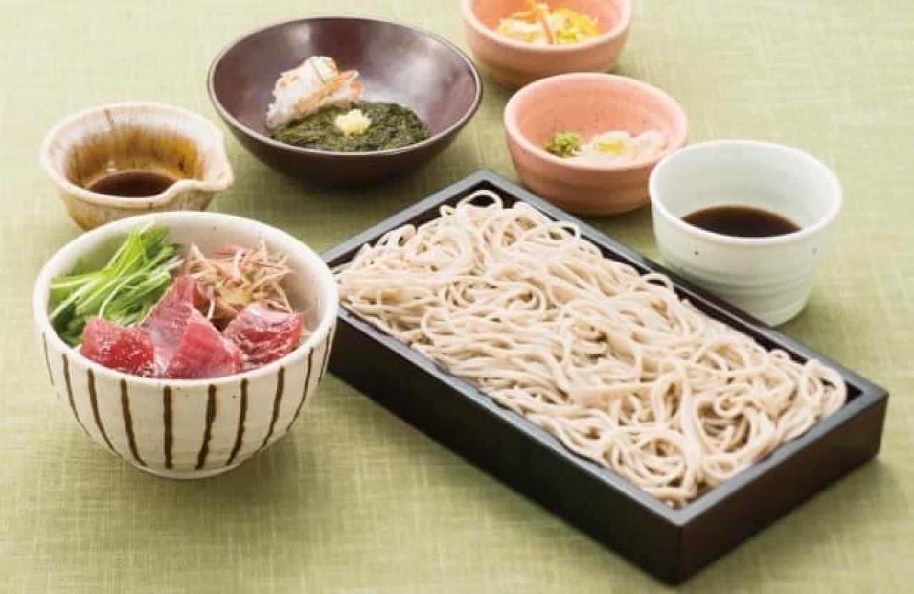 大戸屋「鹿児島県・枕崎水揚げ 一本釣り鰹丼とせいろ蕎麦」