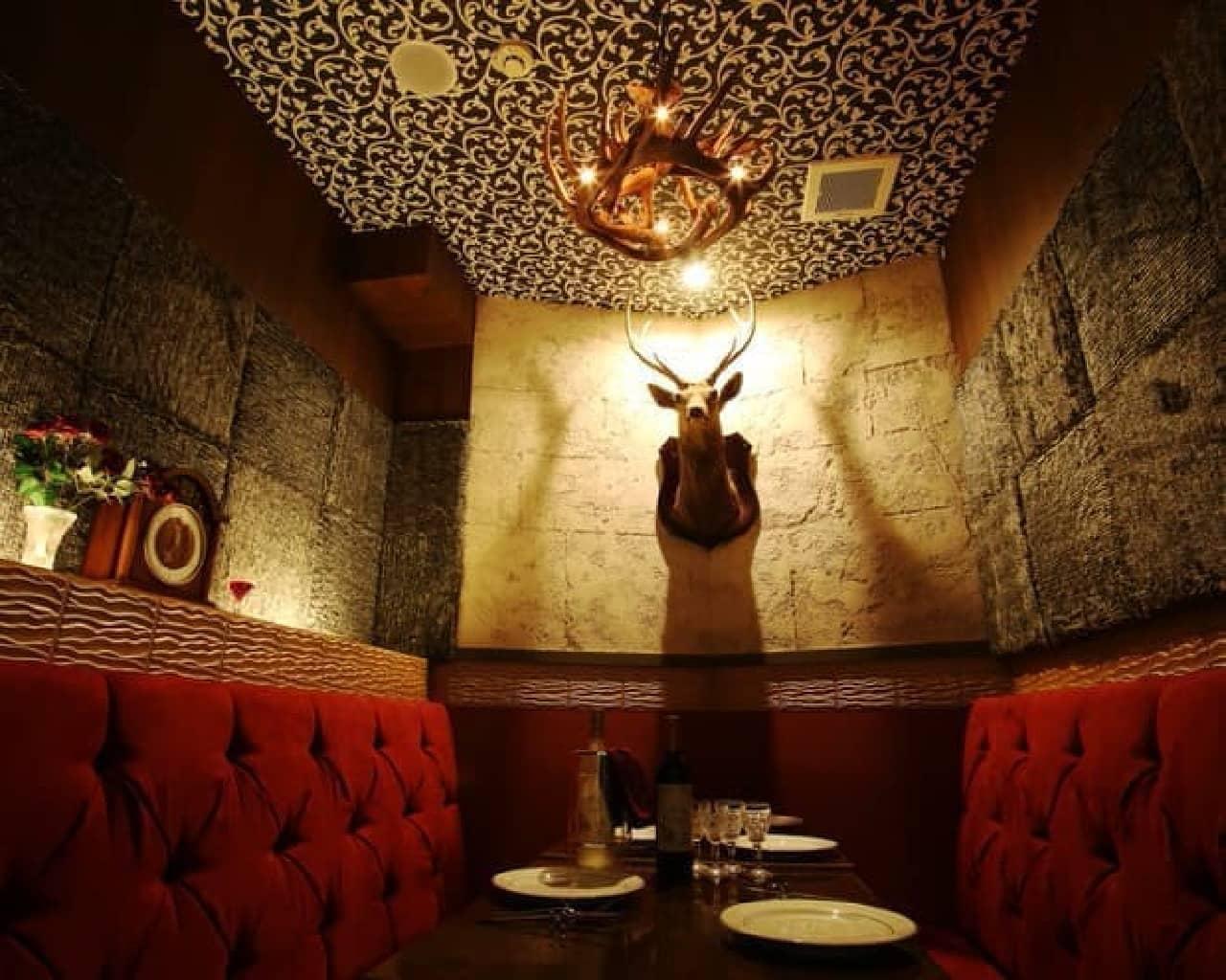 Beauty & the Beastは、「美女と野獣」の世界を再現した飲食店