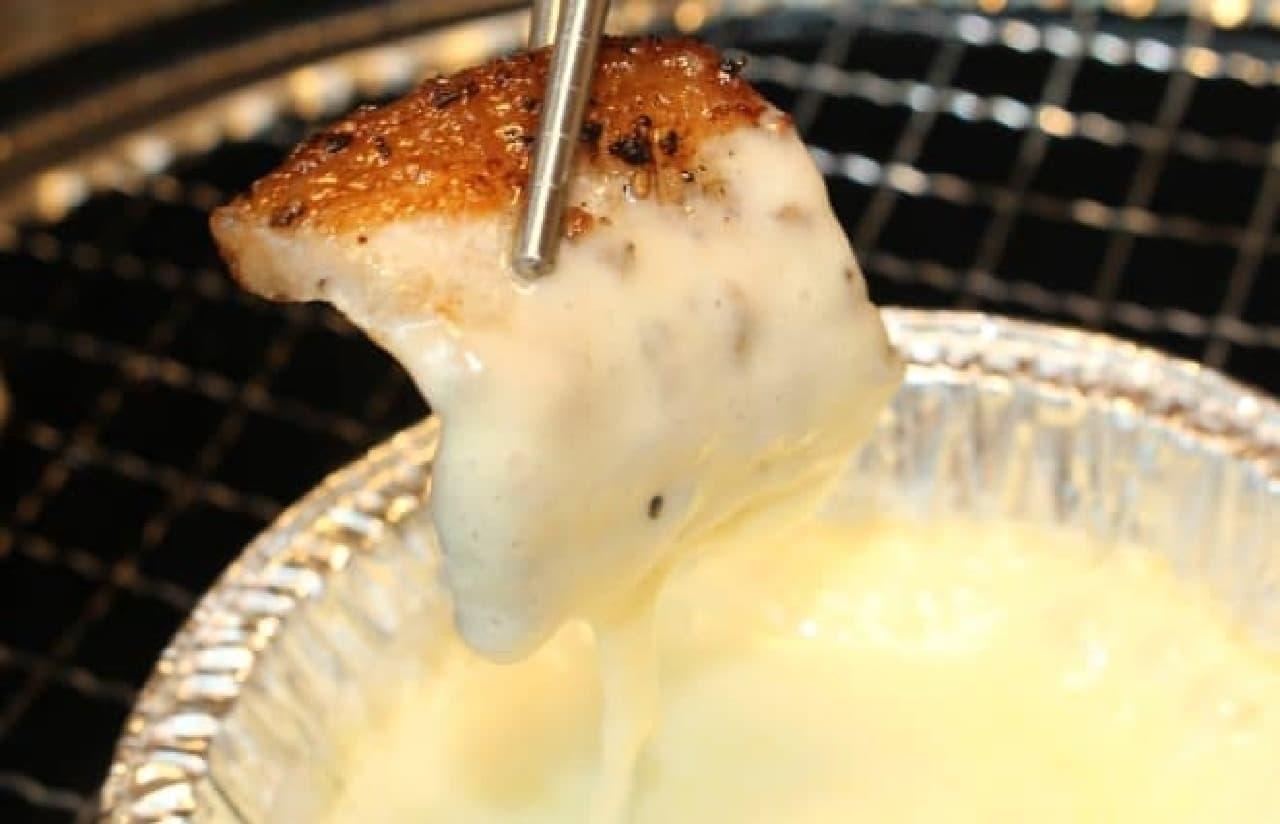 牛角赤坂店「燻製豚のチーズフォンデュ」