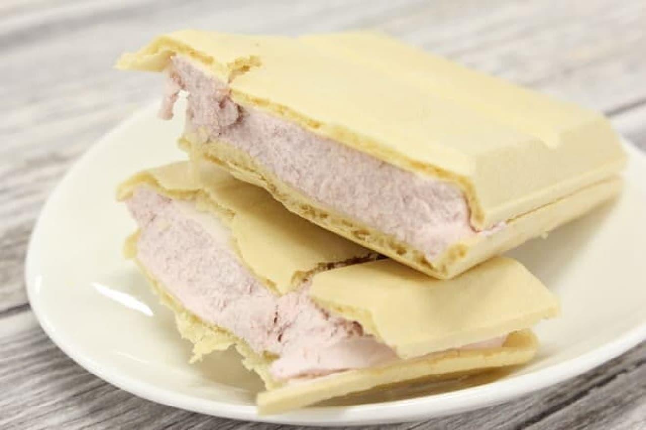 セブンプレミアム ストロベリーチーズモナカ