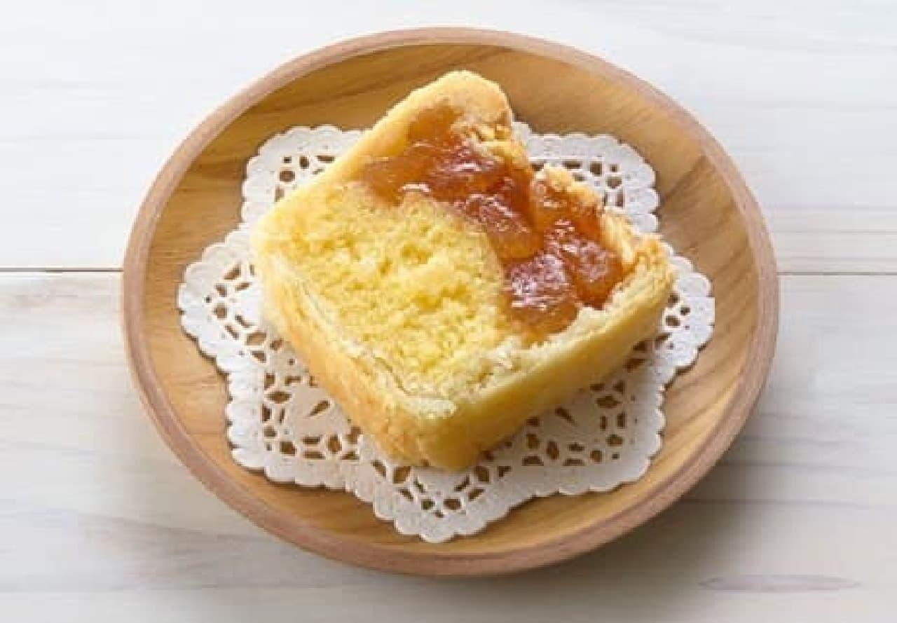 ファミリーマート「角切りりんごのアップルパイケーキ」