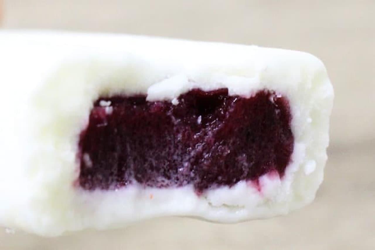 井村屋「クリームチーズアイス ブルーベリー」
