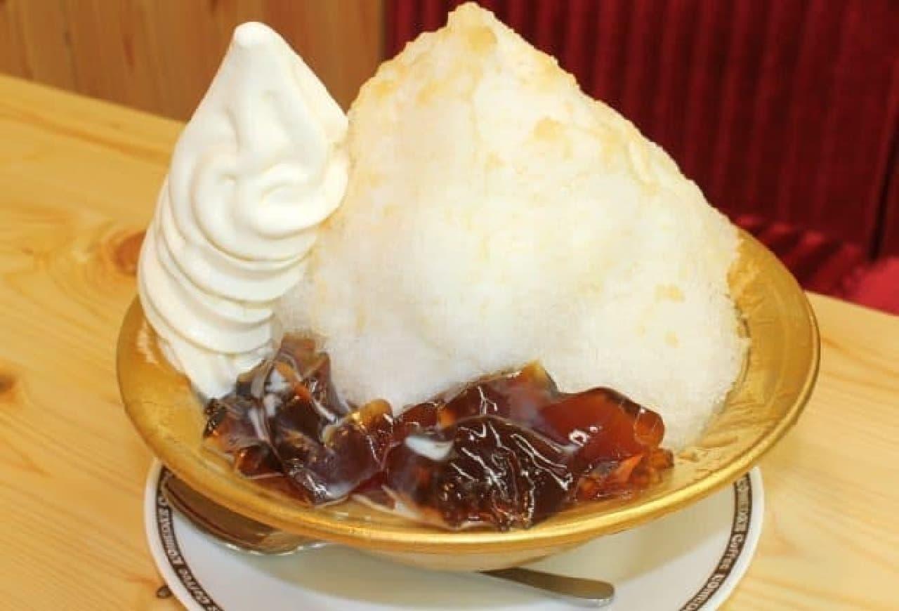 コメダ珈琲店「ピーチティー氷」