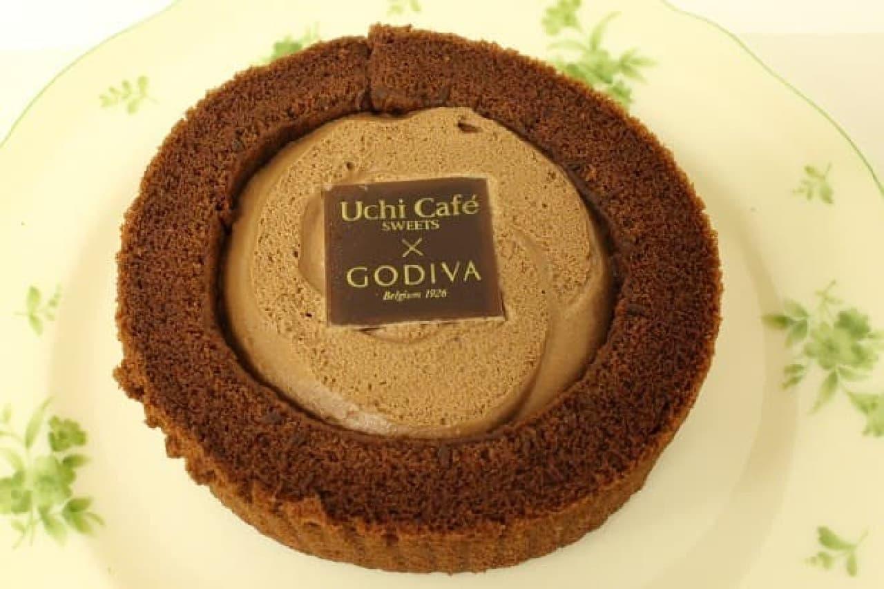 ローソン「Uchi Cafe SWEETS×GODIVA ショコラロールケーキ」
