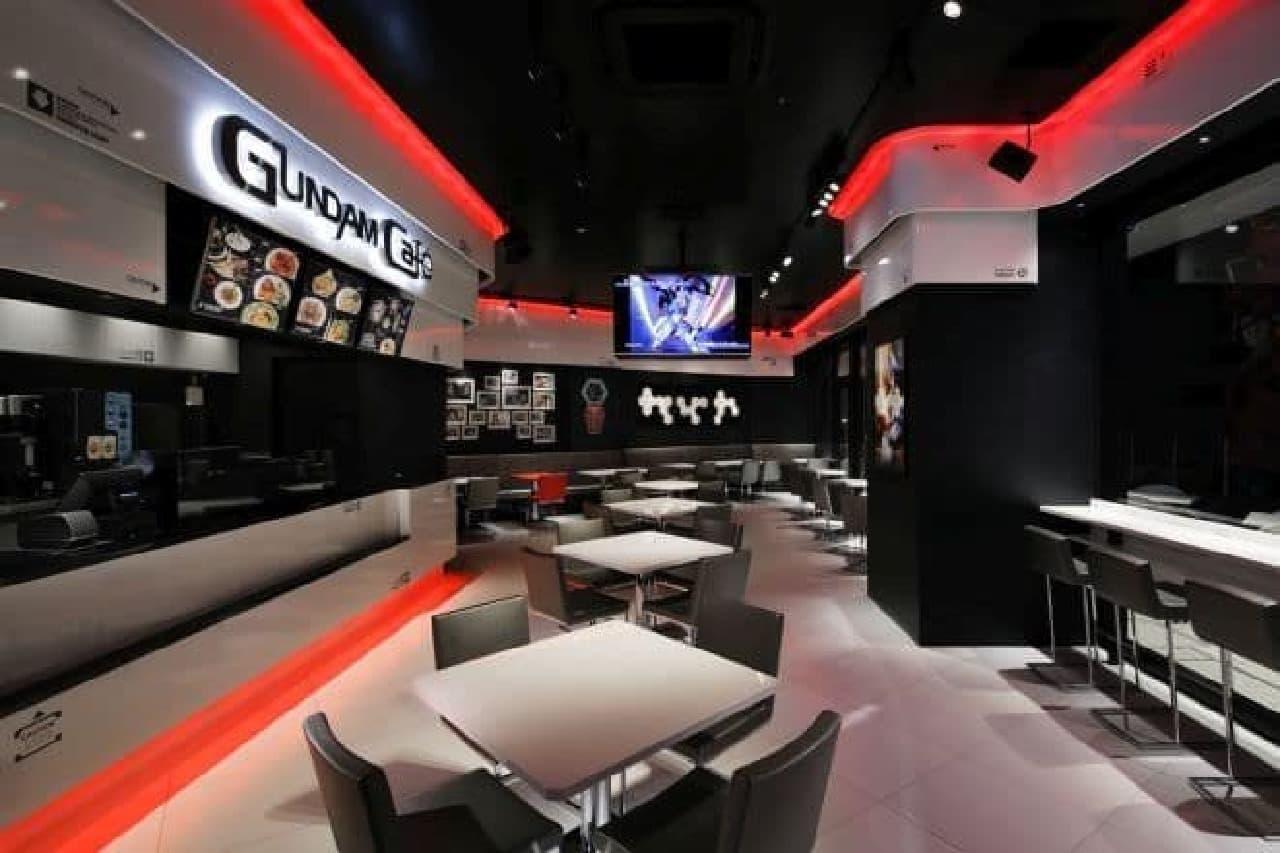 「GUNDAM SQUARE」は、バンダイが直営するガンダム専門店