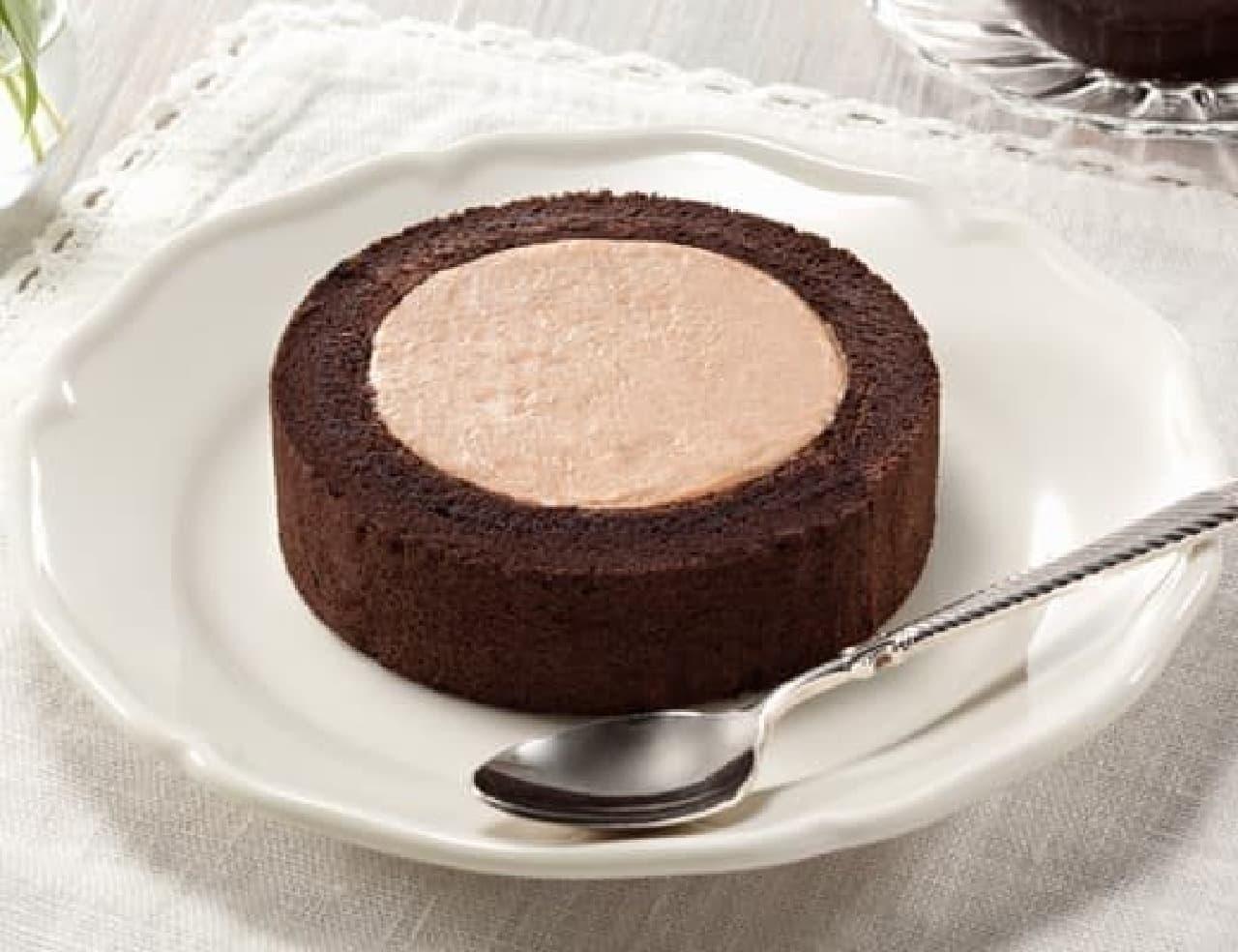 ローソンプレミアムチョコロールケーキ