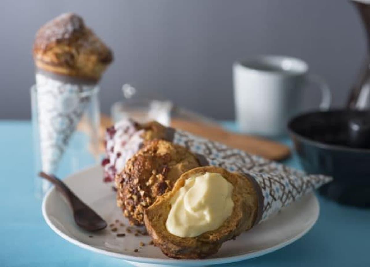 「ザ・シューコーン」は、シュークリームを持ちやすいアイスクリームコーンのような形状にしたスイーツ