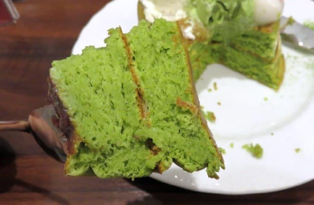 星乃珈琲店「宇治金時のスフレパンケーキ」