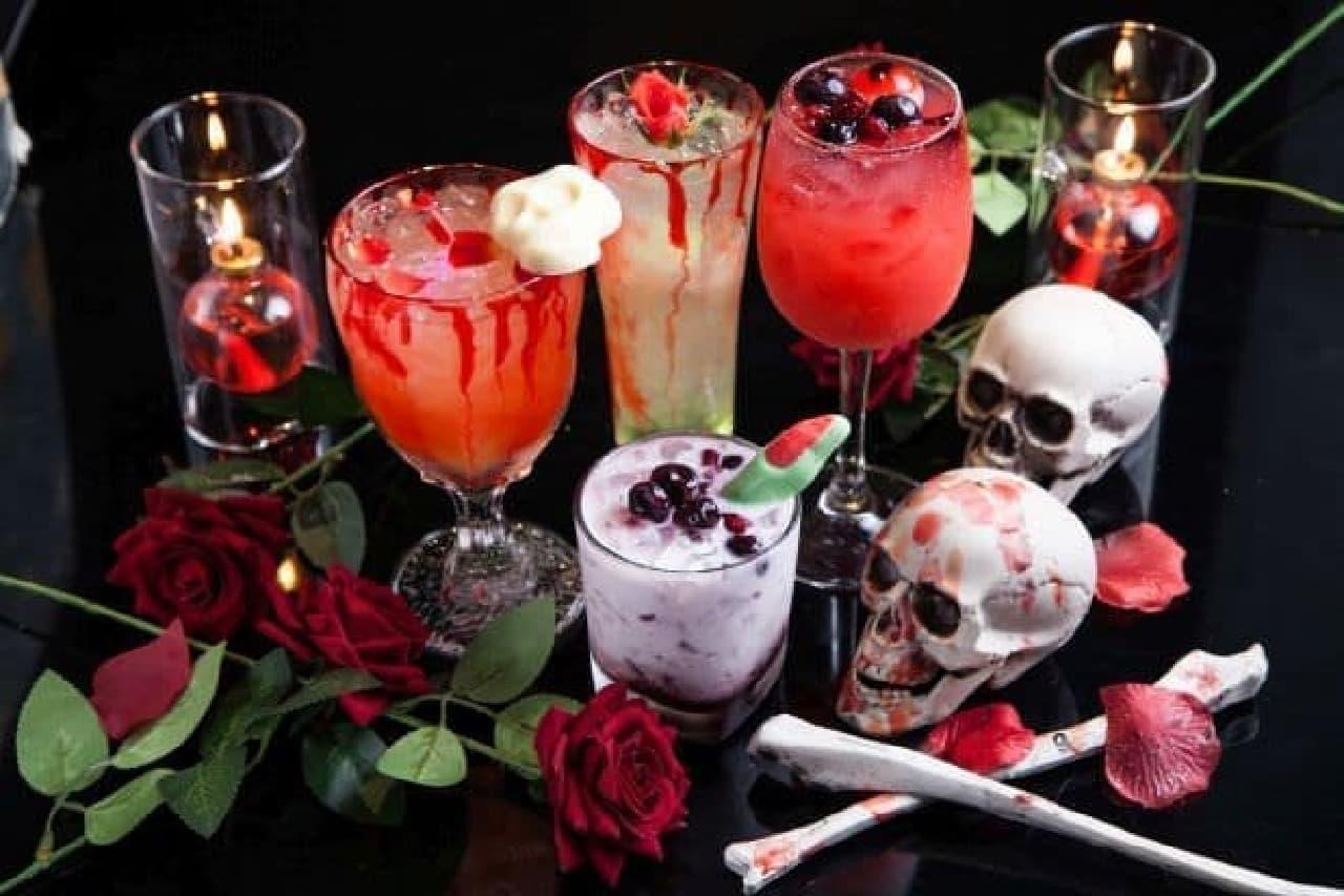 「魔夏(まなつ)のホラーナイトパーティ」は夏限定のメニューと店内装飾が提供される「ホラーナイト」フェア