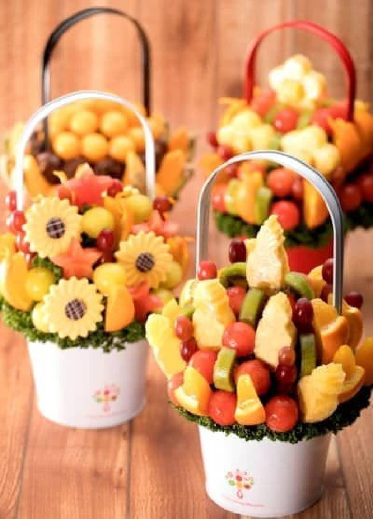 「Tropic(トロピック)」は夏のフルーツがアレンジメントされたフルーツのブーケ