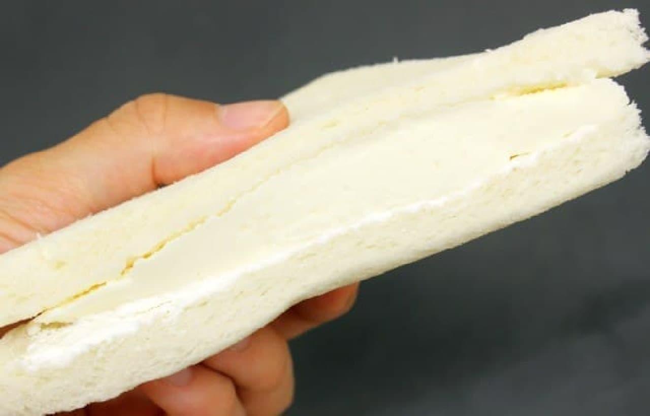 ローソン「レアチーズケーキサンド」