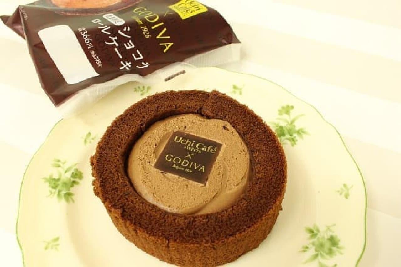 ローソン「Uchi Cafe SWEETS×GODIVAショコラロールケーキ」