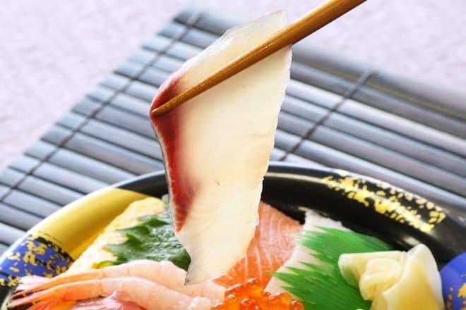 イトーヨーカドー「お魚屋さん自慢の8種海鮮丼」