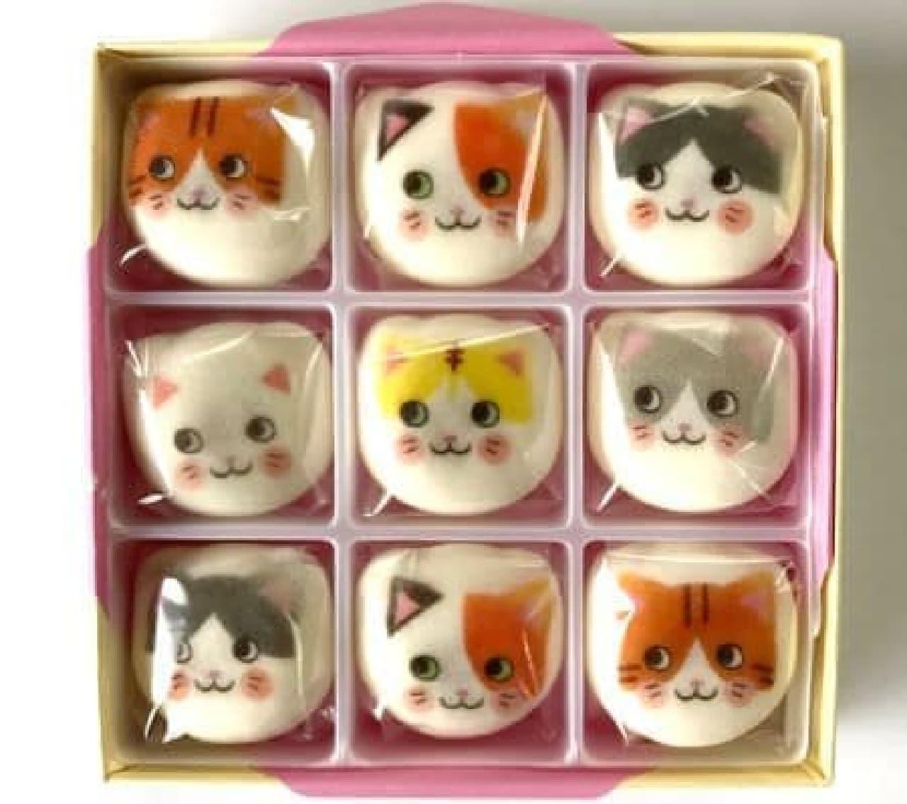 「あっちむいてニャン」はかわいらしい猫の表情がプリントされた和風マシュマロ