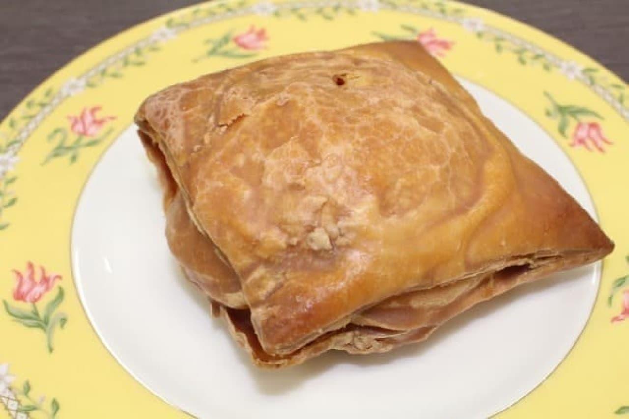 ファミリーマート「窯出しパイのシュークリーム」