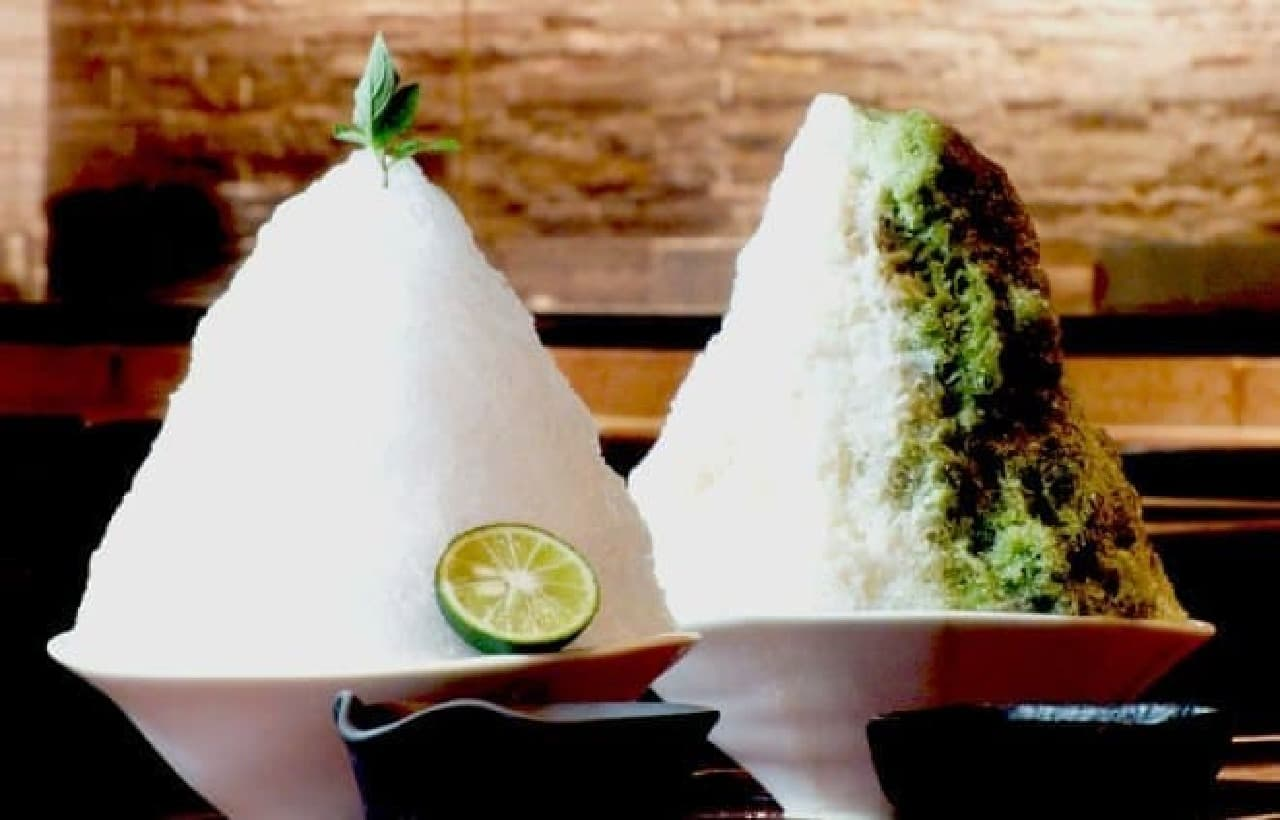 生姜屋 黒兵衛のかき氷「すだち生姜みぞれ」と「京都宇治抹茶ミルク」