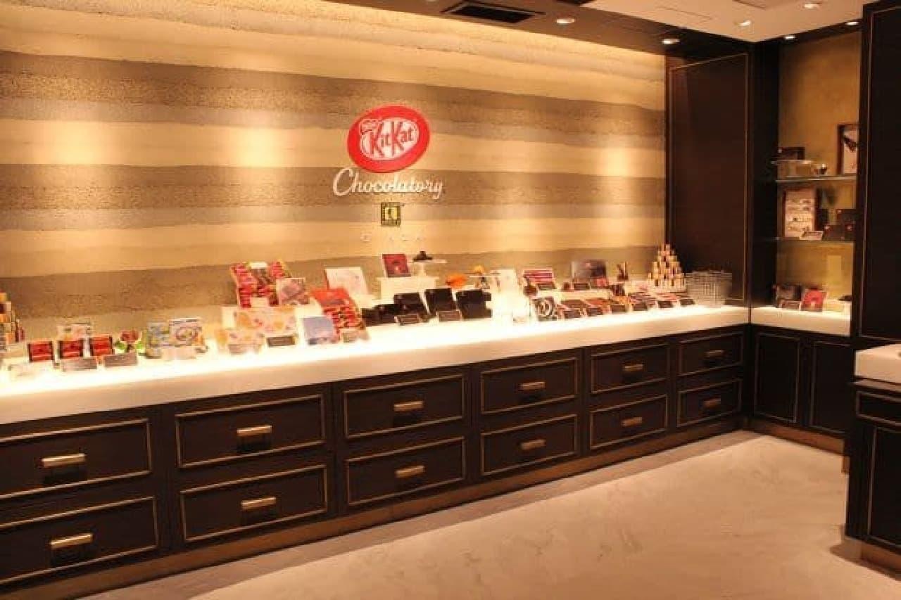 リニューアルオープンしたキットカット ショコラトリーの旗艦店「銀座本店」の内装