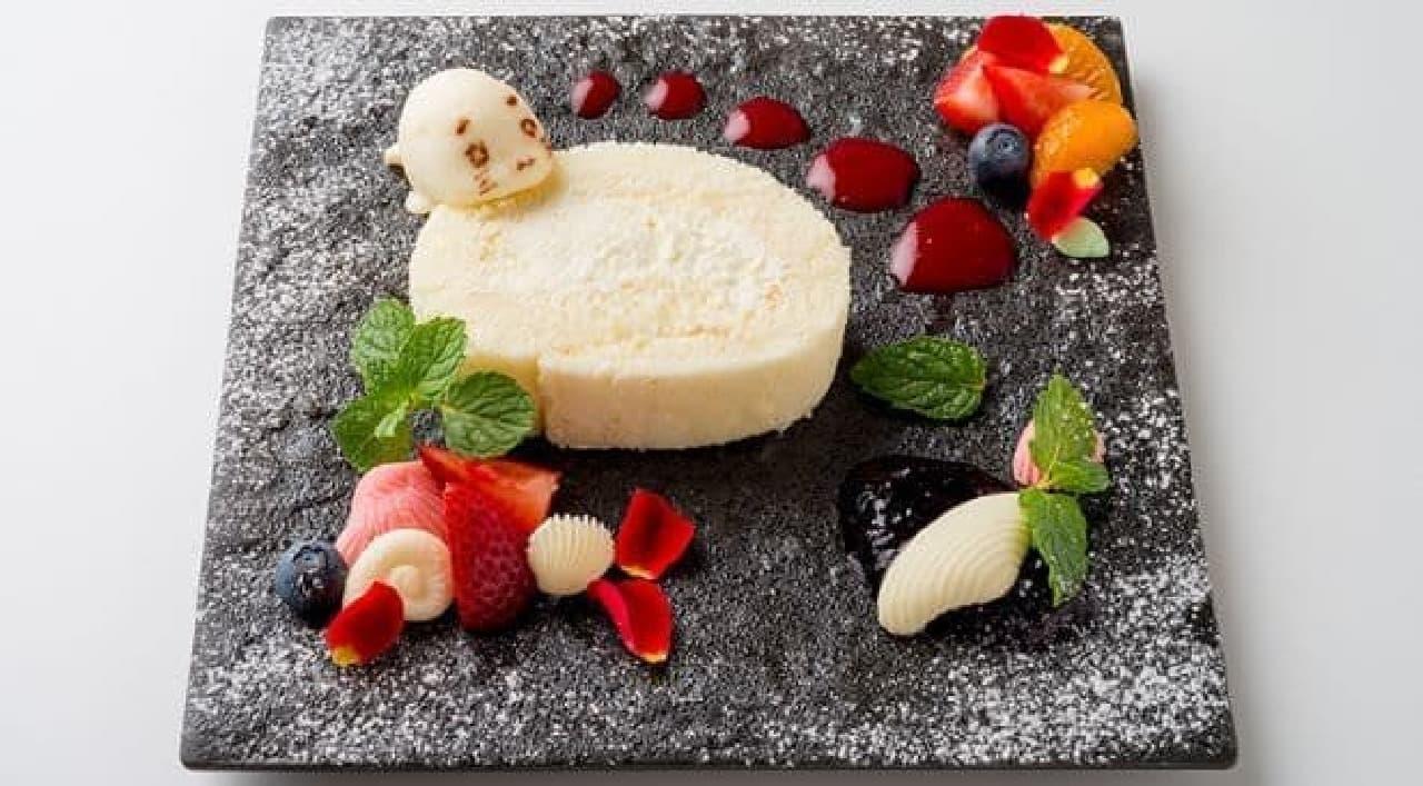 「キュ〜きょく! まっしろーるケーキ」は真っ白なゴマちゃんがイメージされたホワイトロールケーキ