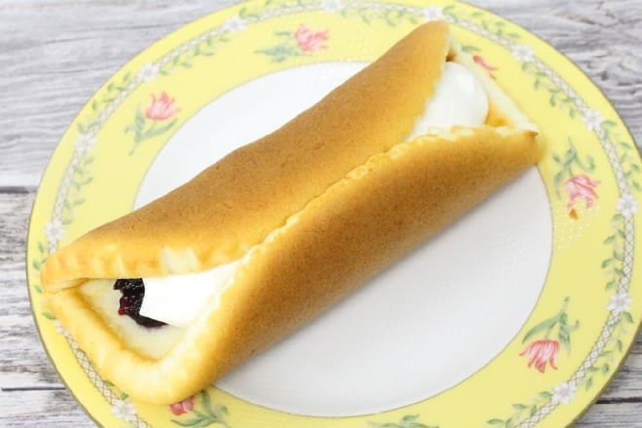 ヤマザキ「チーズ好きのためのチーズケーキ ブルーベリーレアチーズ」