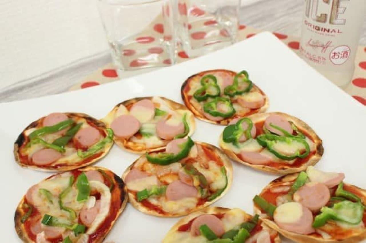 パーティーメニューとしてもおすすめな餃子の皮で作るミニピザ