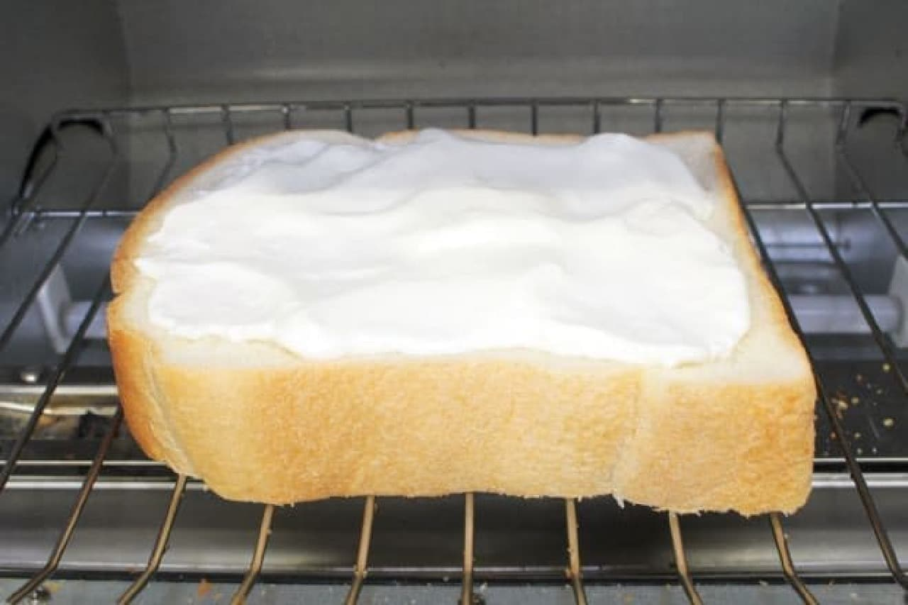 食パンにのせてトーストするとおいしいもの