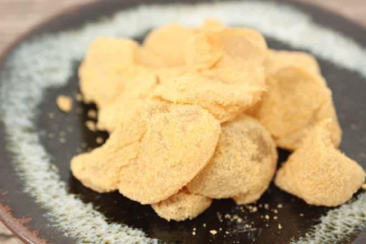 黒蜜ではなく粒あんと食べる「粒あんわらび餅」