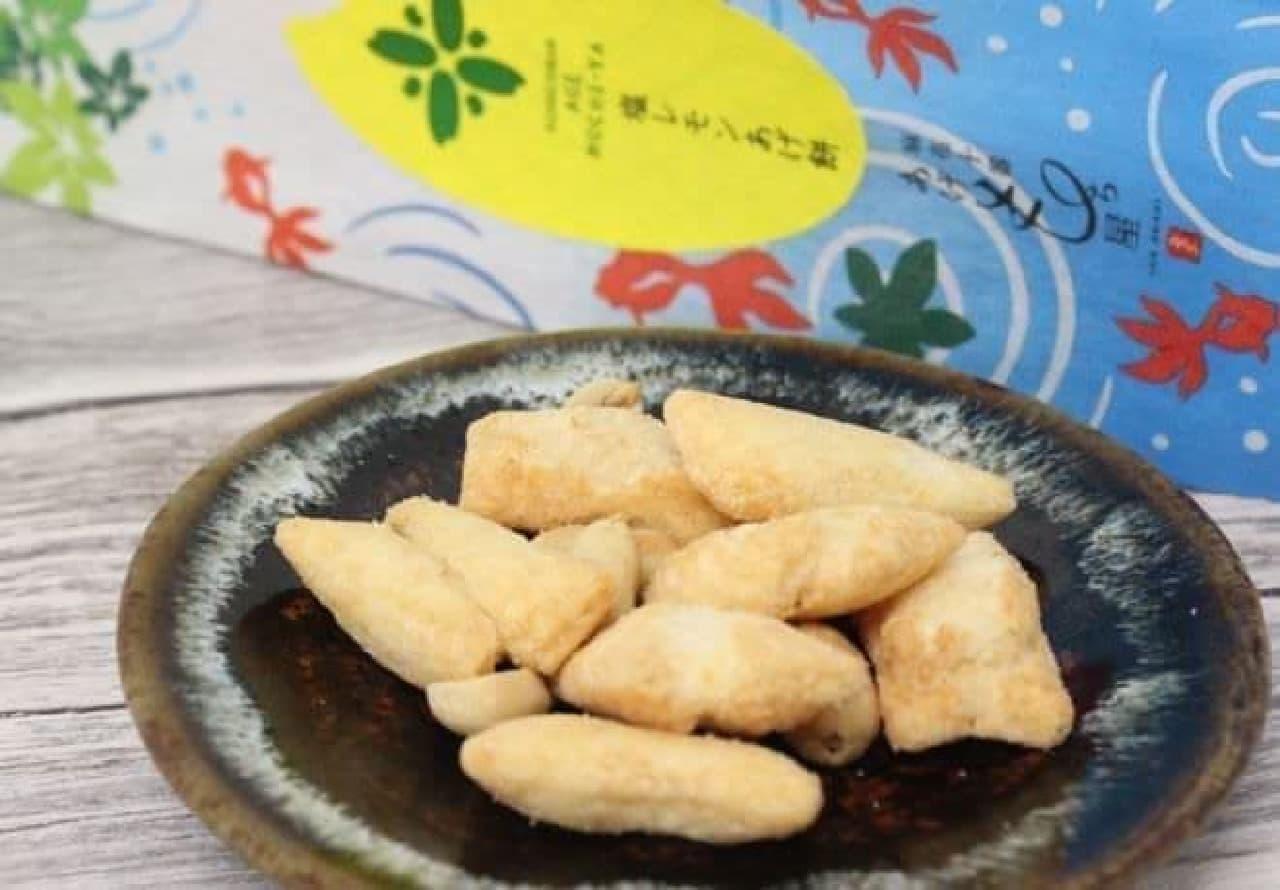 「麻布十番 あげもち屋」で一番人気の「塩レモンあげ餅」