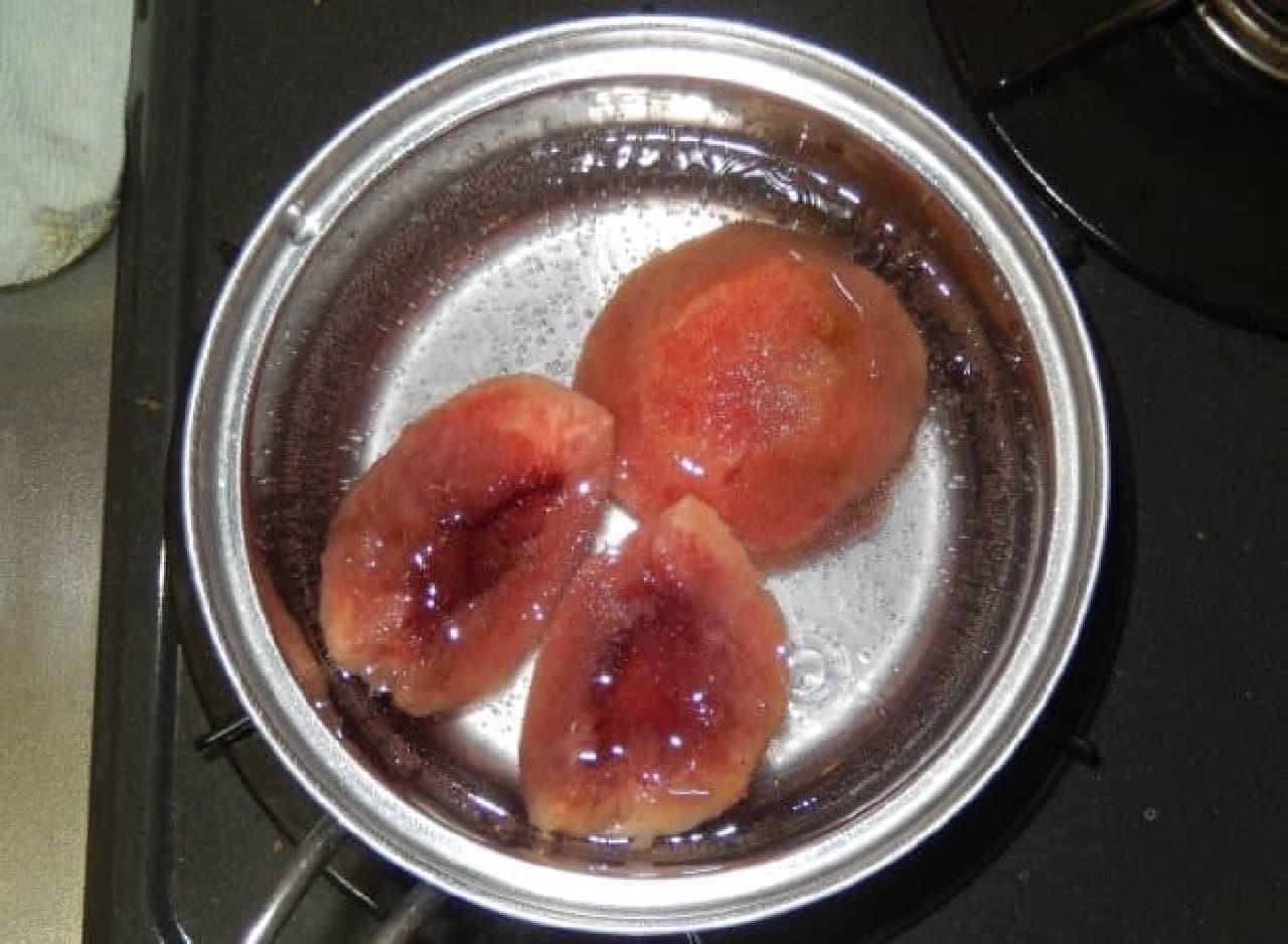 桃と三ツ矢サイダーで作る「桃コンポート」