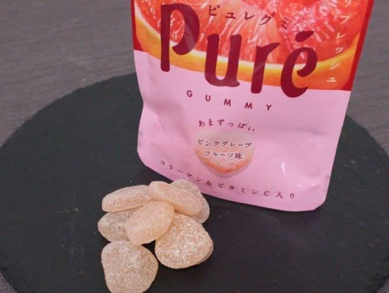 ピュレグミ 濃いピンクグレープフルーツは、通常のピュレグミの2倍の果汁が使用されたグミ