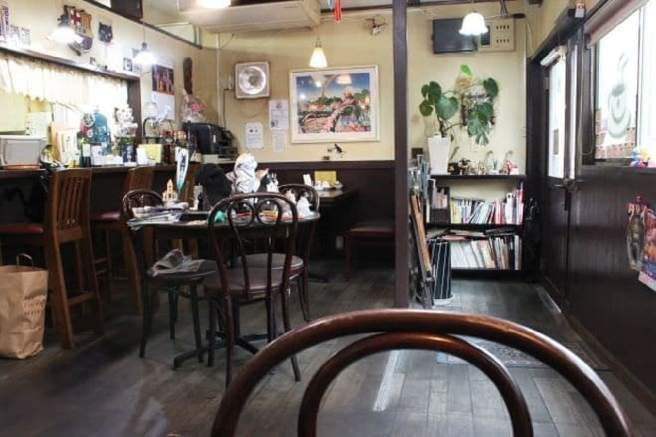 「Cafe de 黒猫舎」の店内