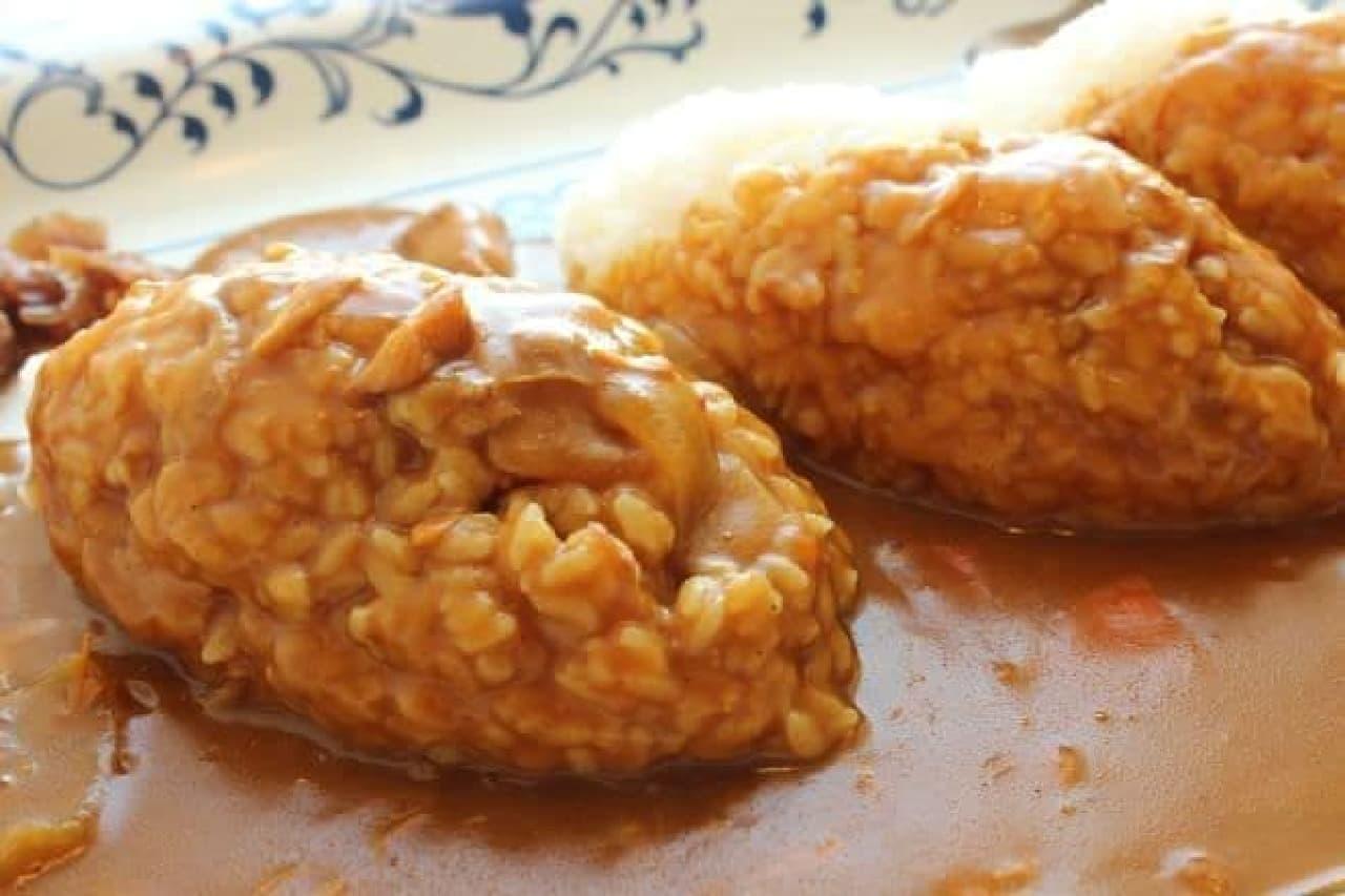 「トリプルカレー」は3杯分のお米が使用されたカレーライス