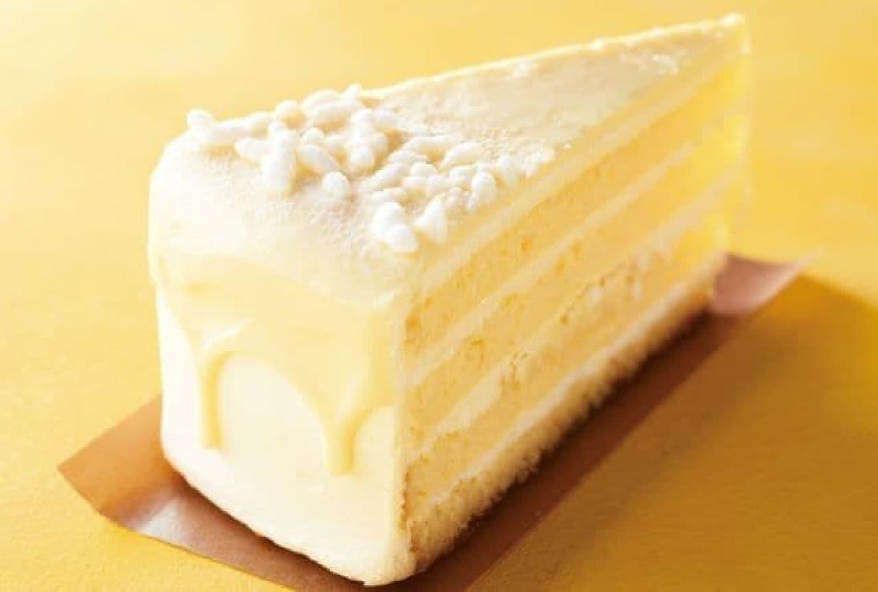国産甘酒仕立てのホワイトチョコレートケーキはホワイトチョコレートホイップクリームをスポンジ生地でサンドしたスイーツ