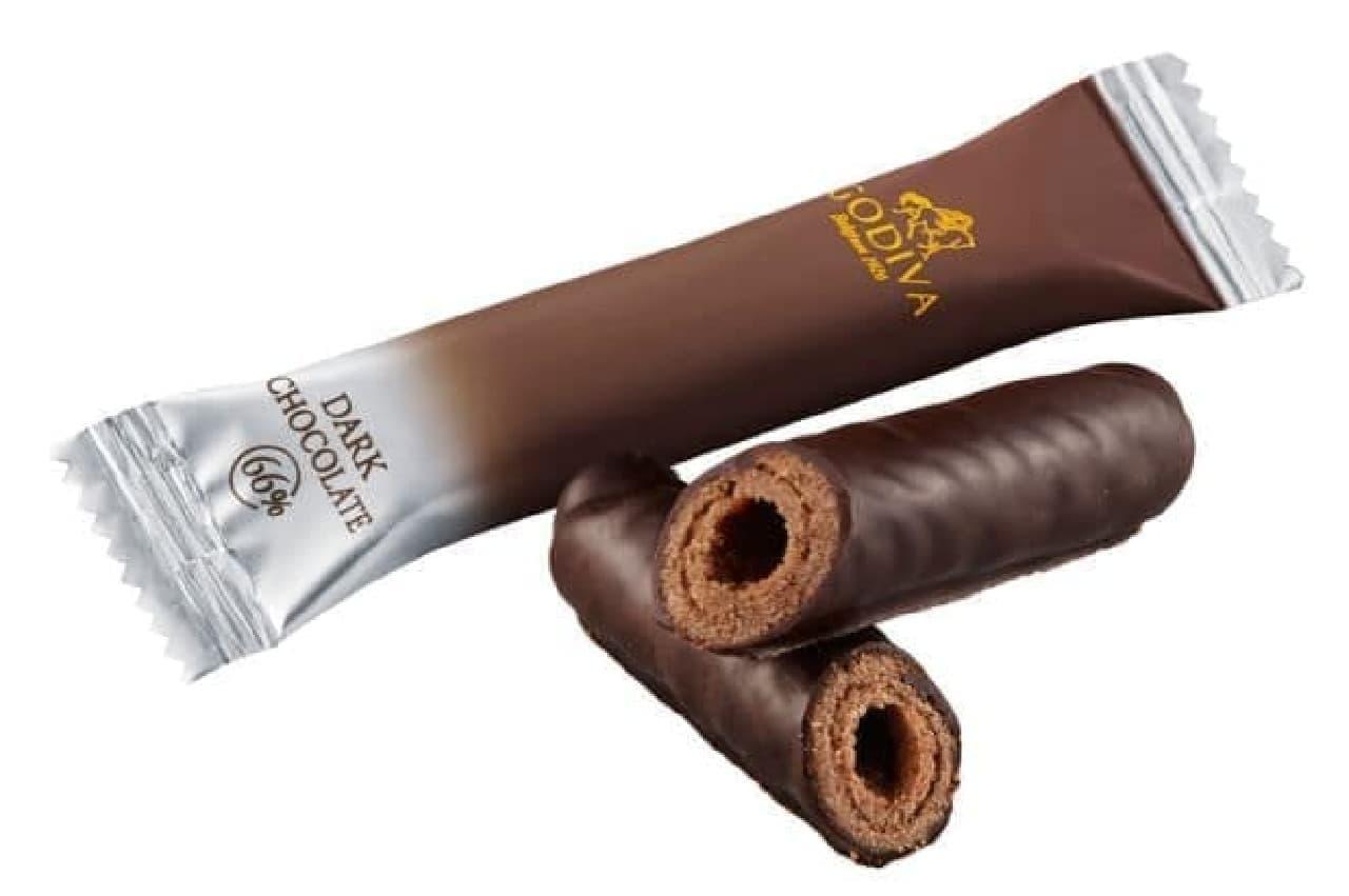 ゴディバ「ショコラロールクッキー」は、厳選された香り高いチョコレートでラングドシャ生地を包んだお菓子