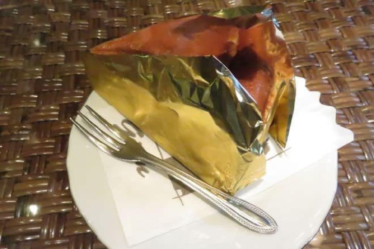 喫茶店「gion」のベイクド・チーズケーキ
