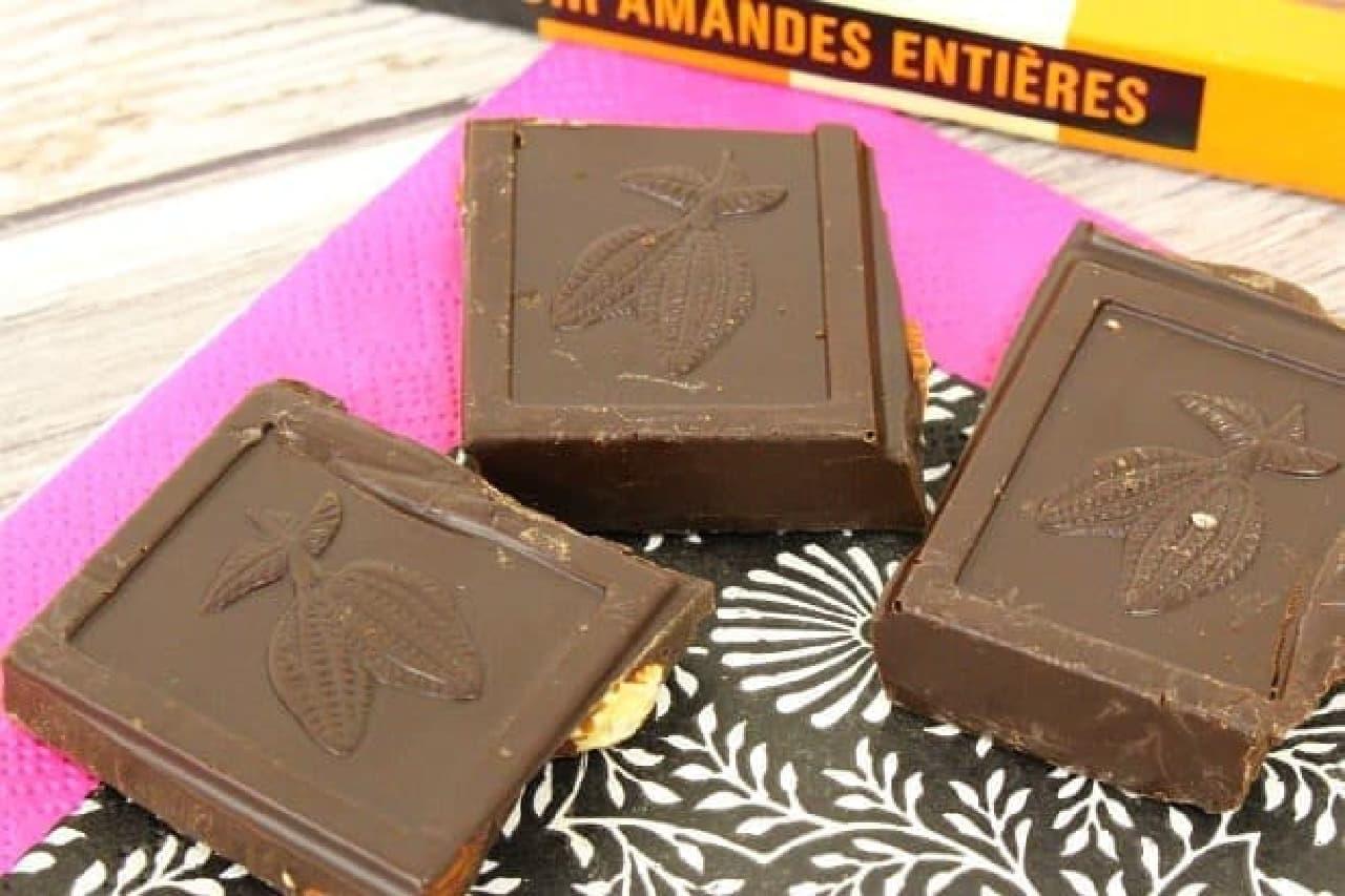 モノプリ「ダークチョコレートアーモンド」