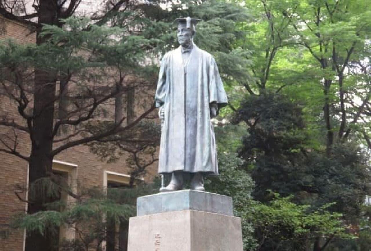 早稲田大学の大隈像